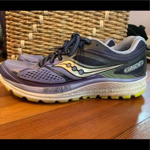 Women's Saucony running shoes